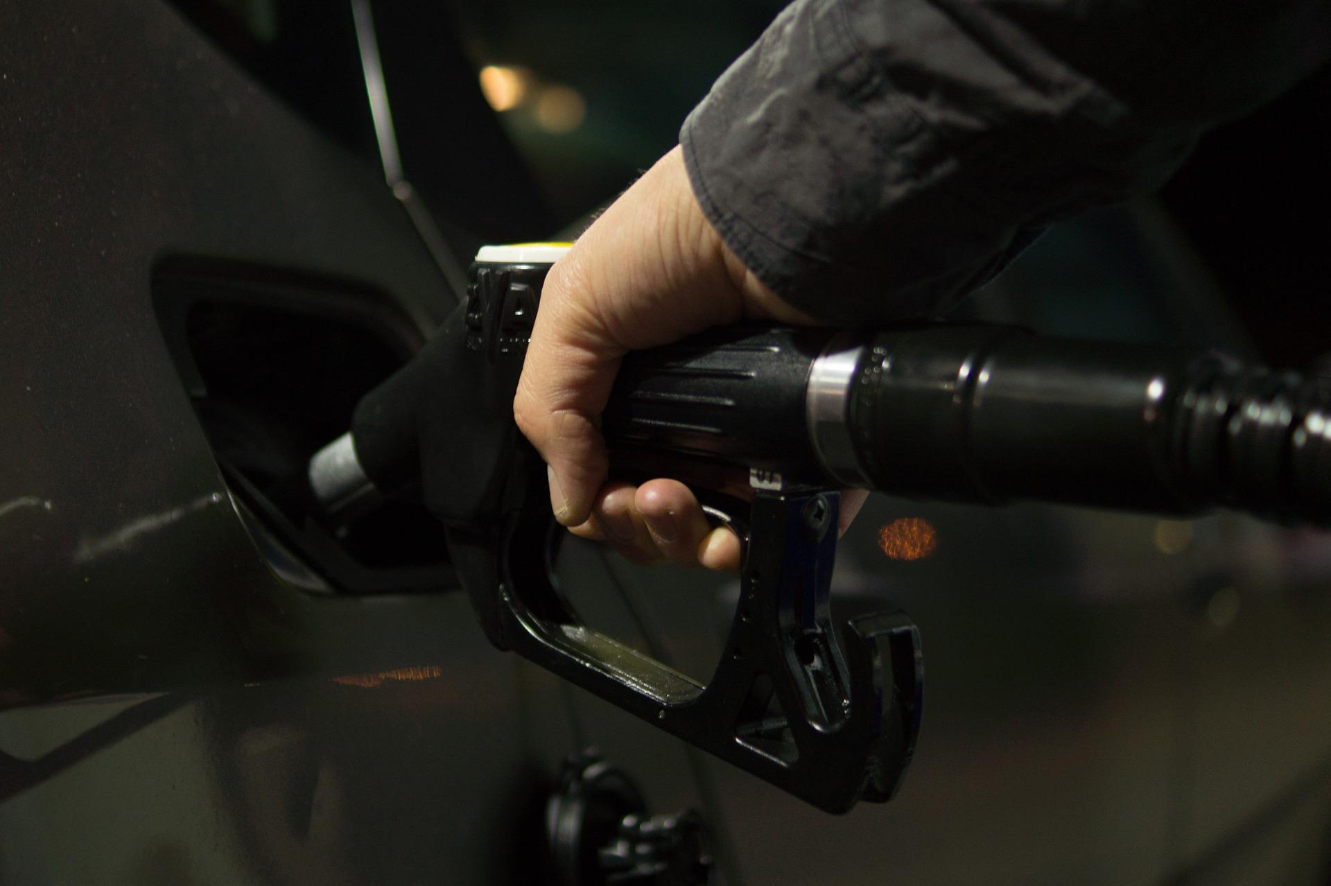 Accise e fatturato di riferimento, per accesso al contributo fondo perduto alle aziende del settore petrolifero